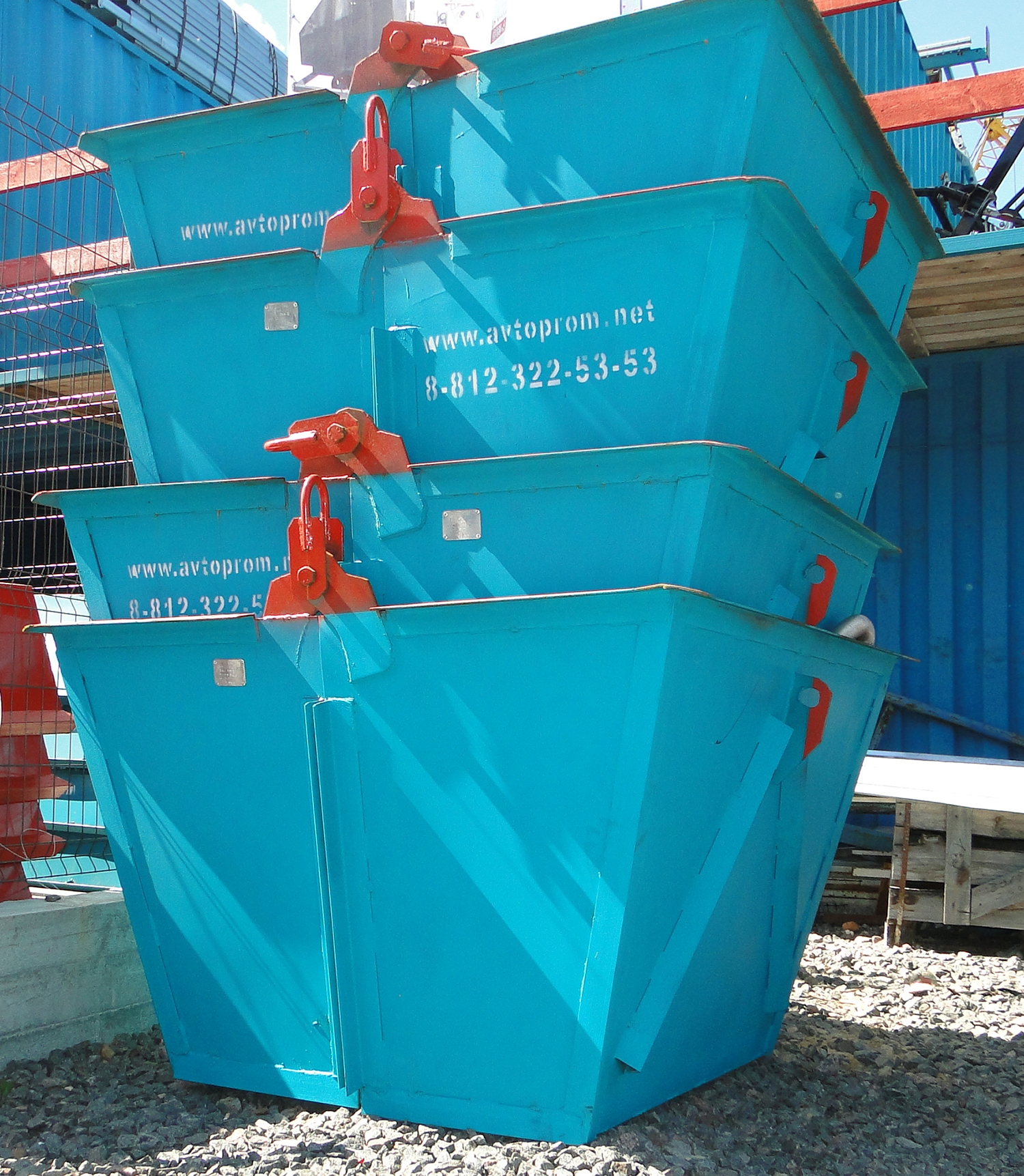 Бункеры и контейнеры для мусора